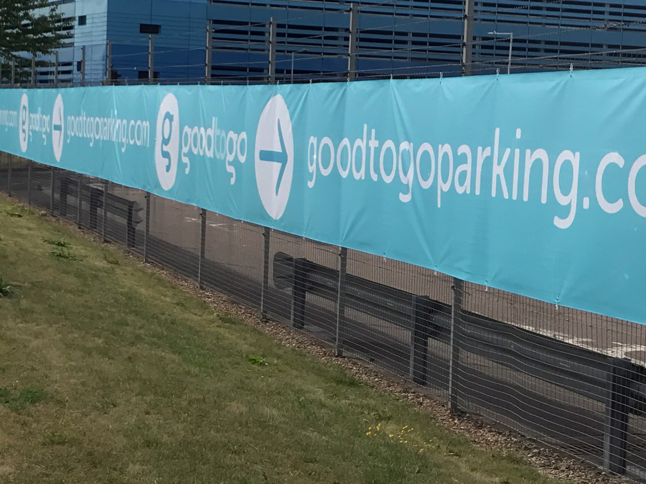 Hethrow good to go parking banner